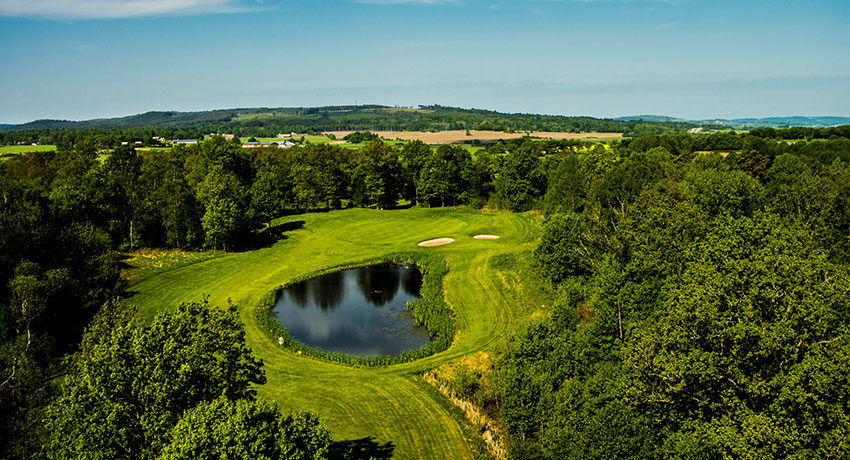 Aerial view of Holms golf club